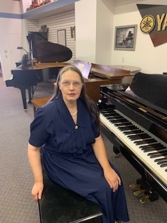 Ann Banning at piano